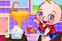 Baby fa il bucato